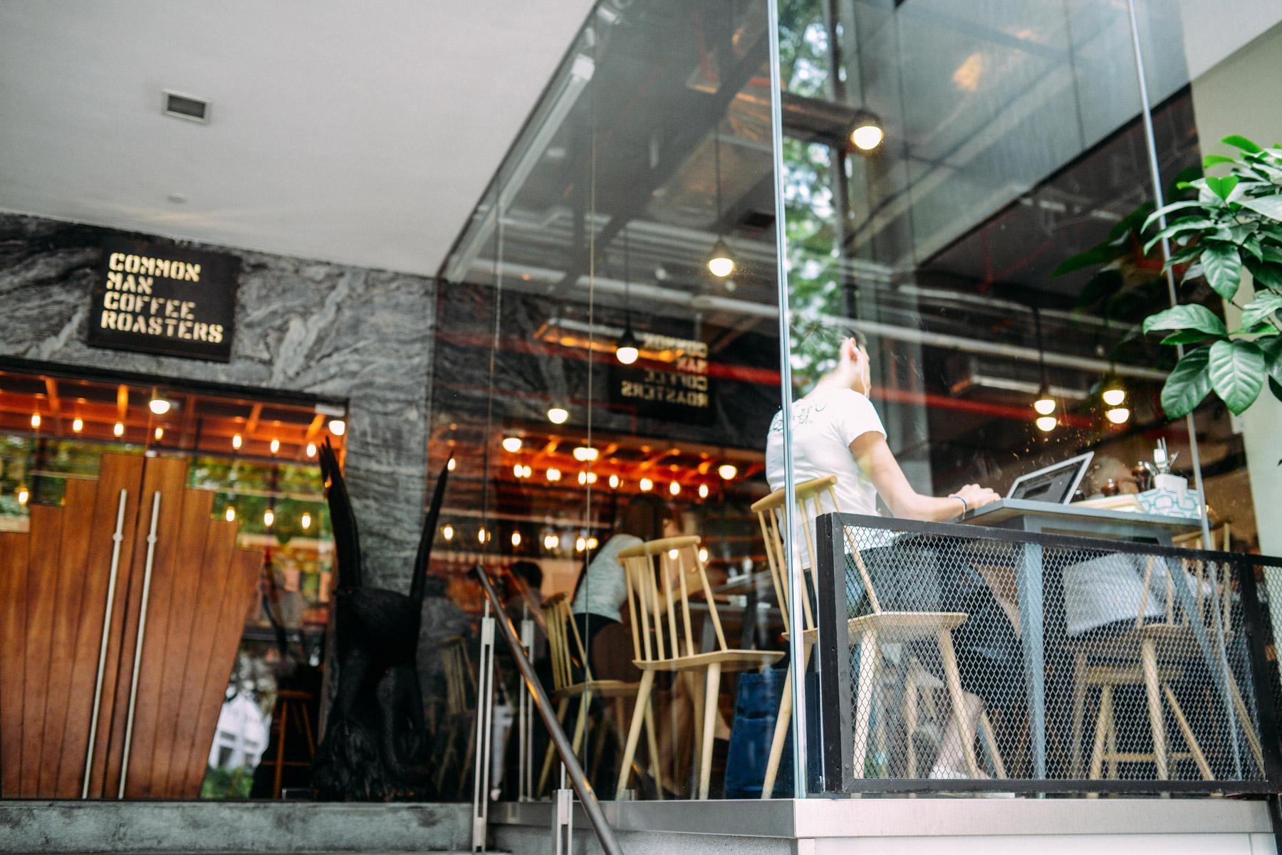 glass-window-wall-glazing-coffee-roasters-montreal-vitrerie-jl