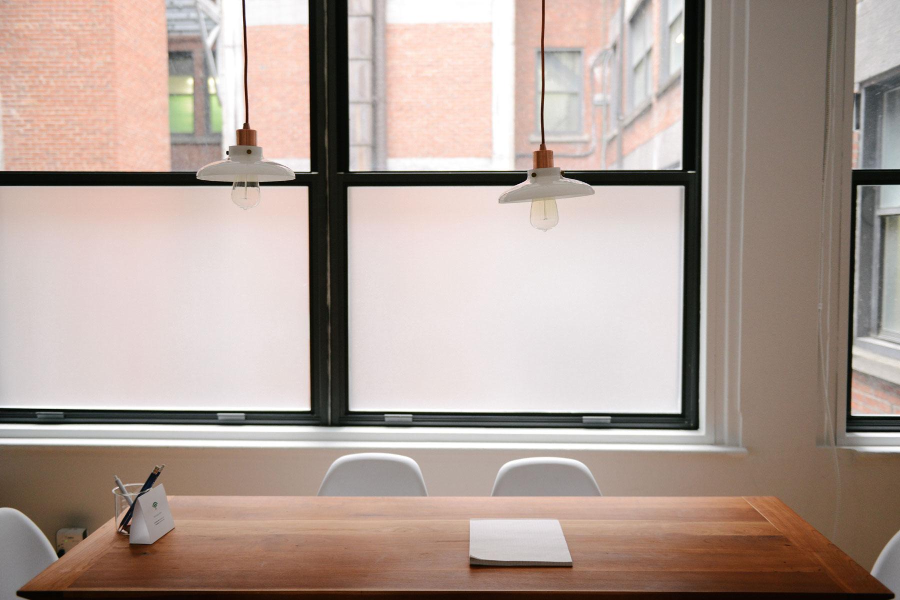 glass-window-meeting-room-montreal-vitrerie-jl